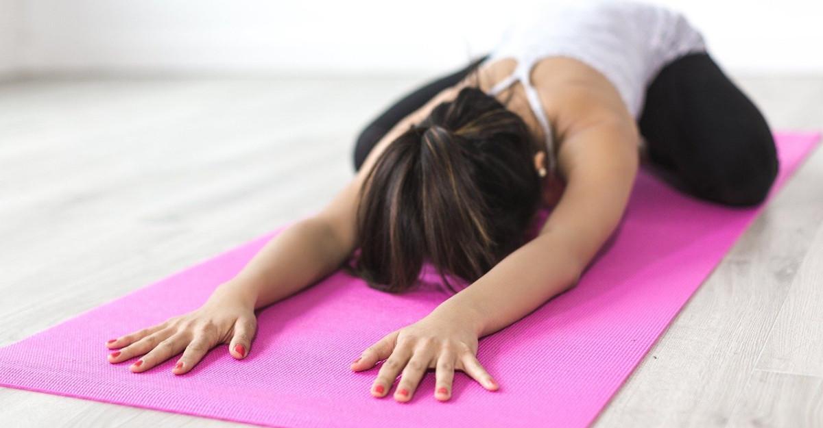 3 exercitii simple pentru un corp mai flexibil si mai sanatos