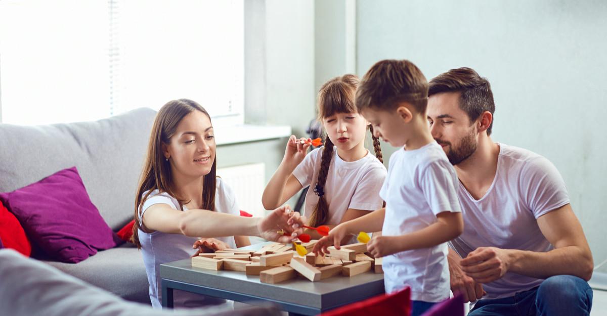 Petrece mai mult timp cu cel mic: 3 jocuri care unesc întreaga familie