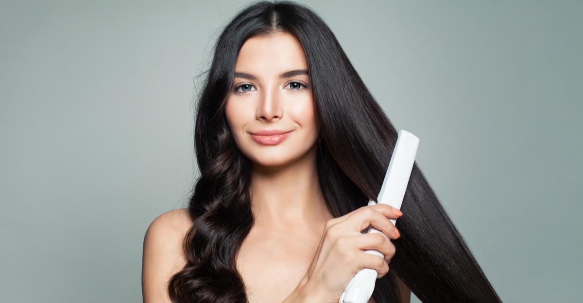 Placa de păr: instrumentul de coafat care nu trebuie să îți lipsească!