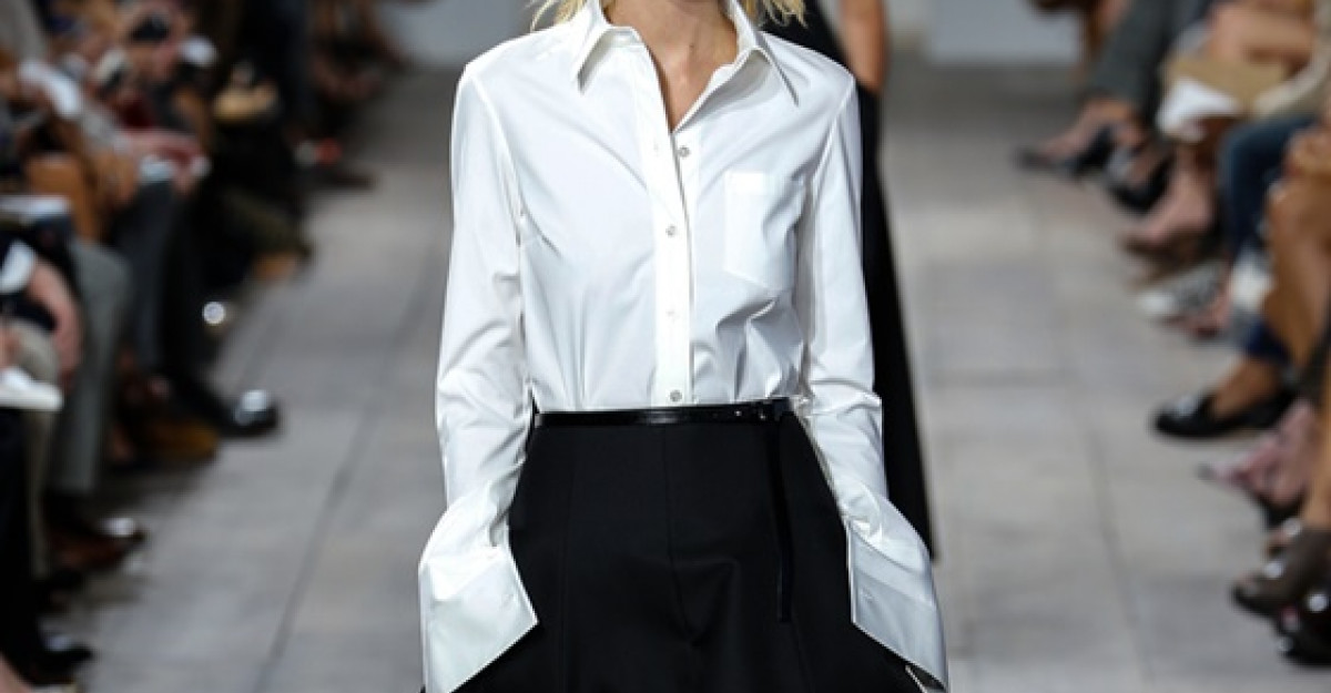 Cum sa porti camasa alba: 4 Tinute pentru 4 stiluri diferite