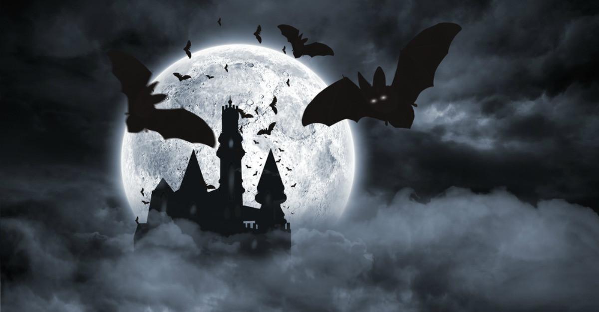 6 personaje și destinații cu povești înfiorătoare, pe care merită să le descoperi de Halloween