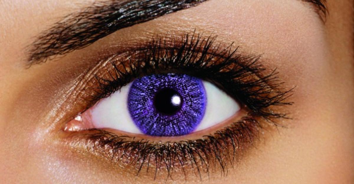 Lentilele de contact violet, alegerea celor care isi doresc sa fie in tendintele anului 2018
