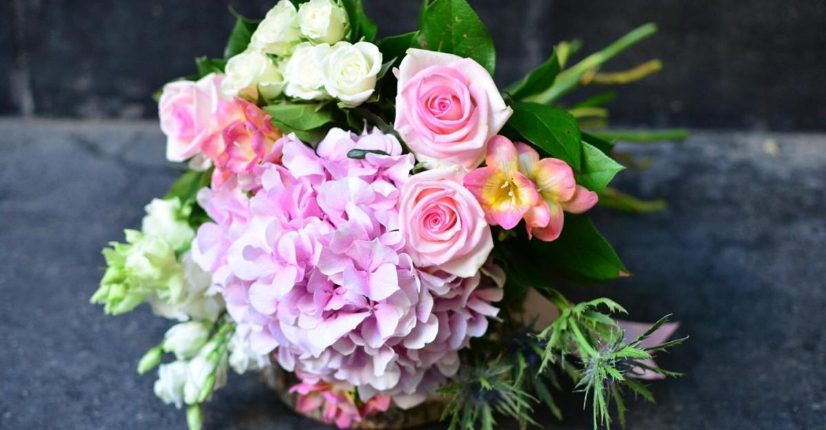 20% dintre românce primesc flori (aproape) în fiecare lună