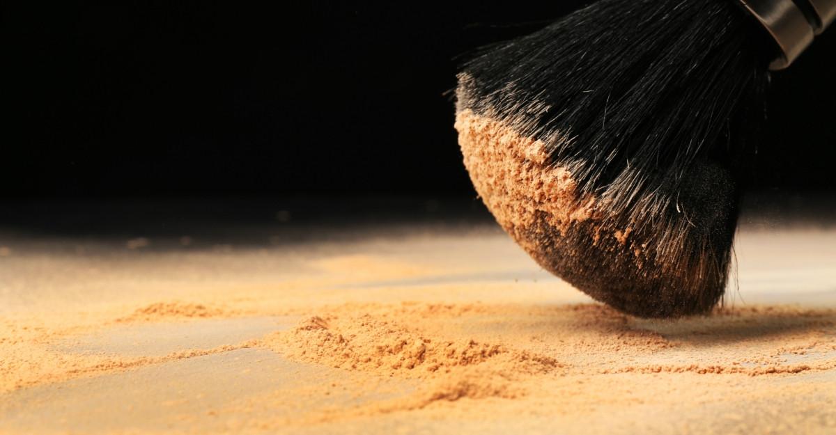 Brush&Go™, pudra translucidă cu SPF 30, esențială în lunile de vară