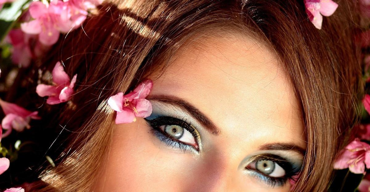 3machiaje in tendintele iernii daca ai ochii albastri