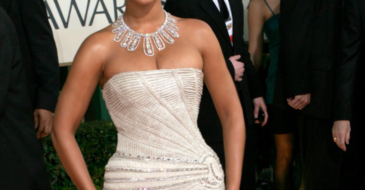 Video: De ce Beyonce o imita pe Angelina?