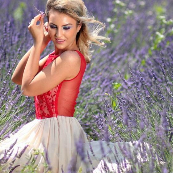 4 rochii de seară superbe fabricate în România