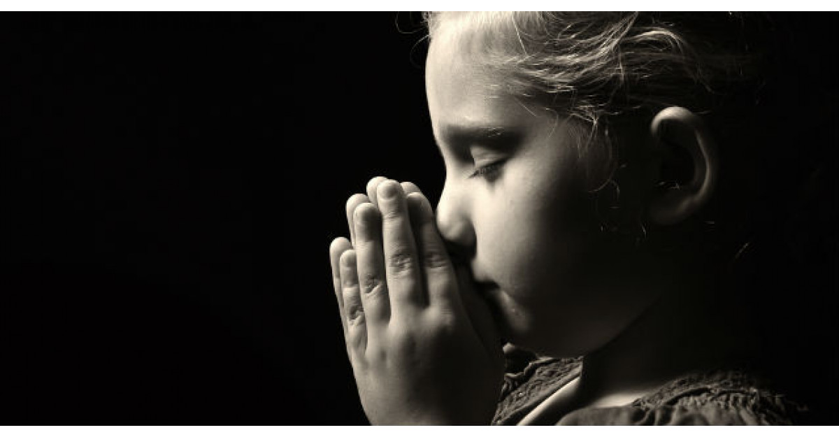 Fetita lui de trei ani spune asta in timpul rugaciunii de seara. Apoi tatal este nevoit sa ceara divortul
