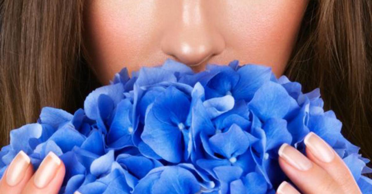 10 Cosmetice pentru machiaj BIO