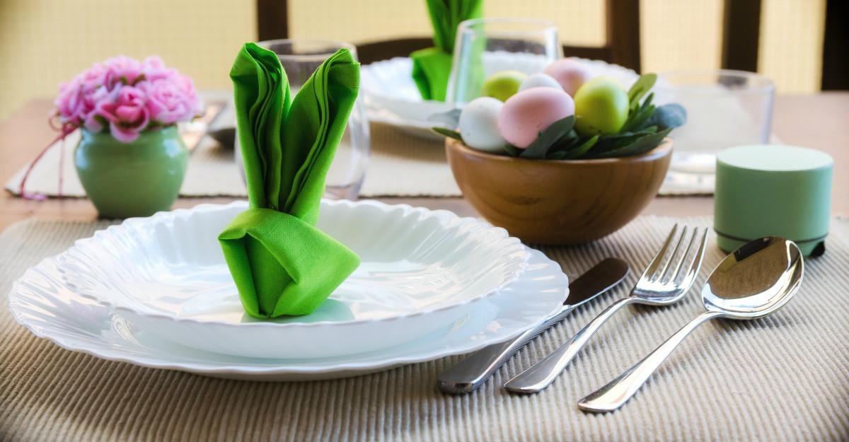 6 obiecte pentru servirea mesei de Paste