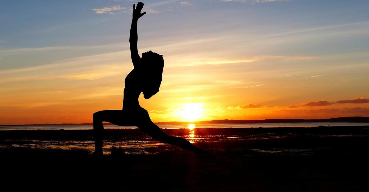 5 pozitii de yoga care stimuleaza metabolismul sa arda mai multe grasimi