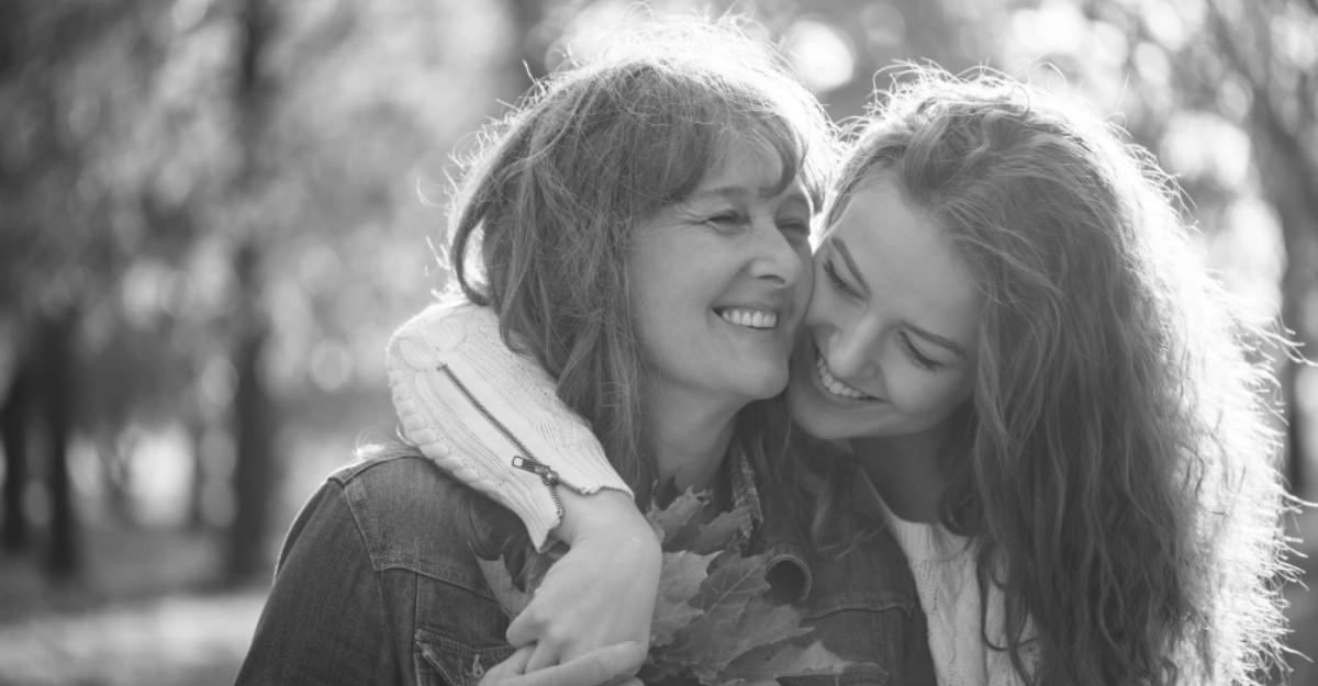 25 de intrebari pe care ar trebui sa i le pui mamei tale