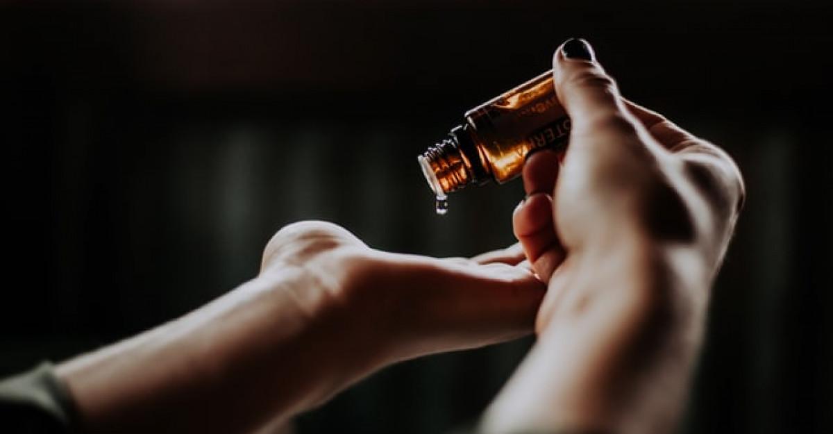 Aromaterapia. Beneficii și recomandări de la specialist în contextul epidemiei de coronavirus