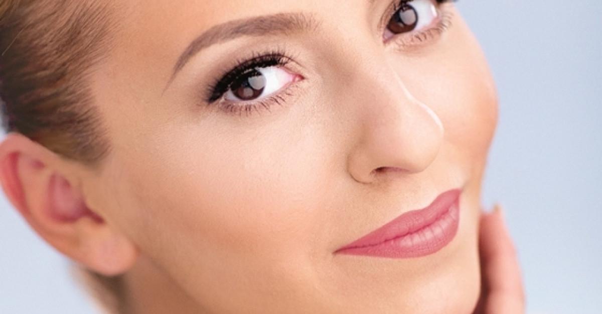 Giulia, imaginea gamei de produse cosmetice Farmec Natural