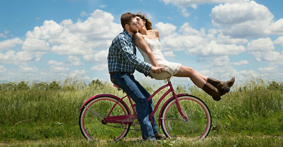 Cele mai tari piese unisex pentru cupluri: economie în 2!