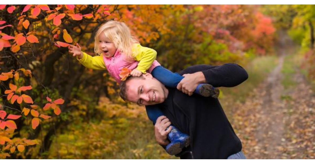 O fetita si tatal ei traversau un pod. Apoi ASTA s-a intamplat