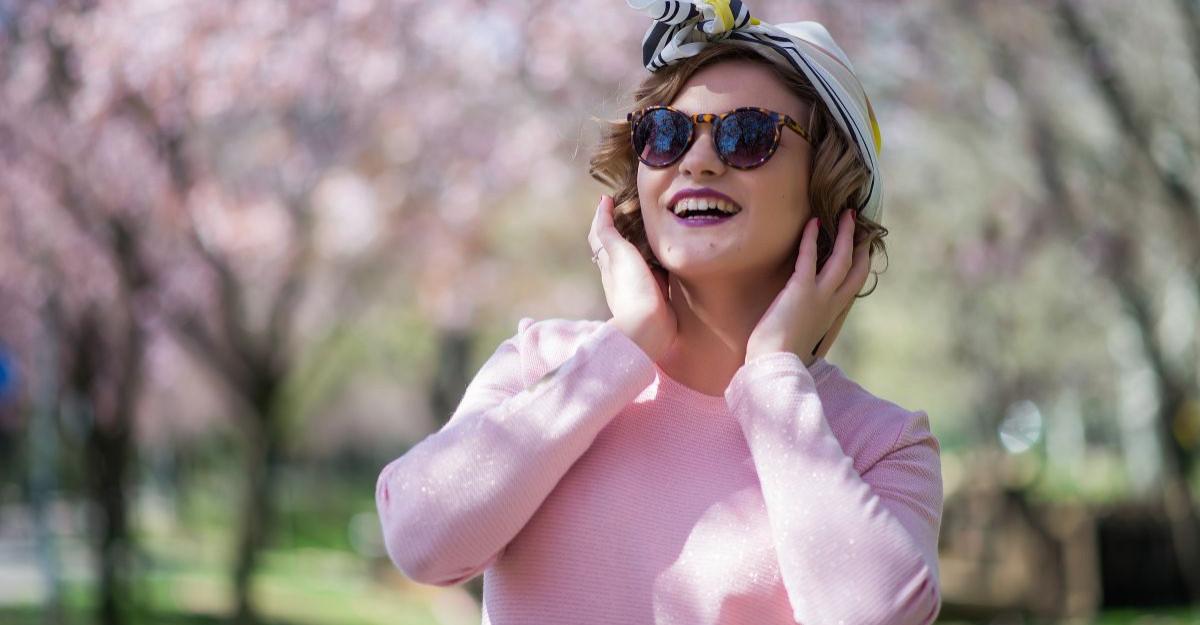 O portie de simplitate si good vibe de la Rox Sarafolean - fashion blogger [interviu]