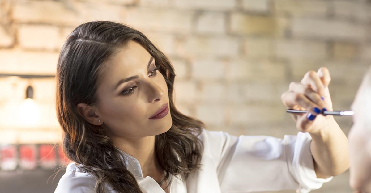 Îngrijirea pielii la început de sezon rece: Sfaturi de la Mihaela Rotaru, make-up artist
