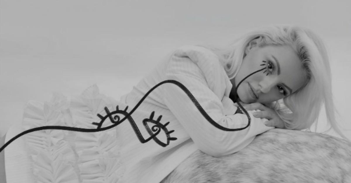 Alexandra Stan lanseaza varianta acustica a piesei Obsesii
