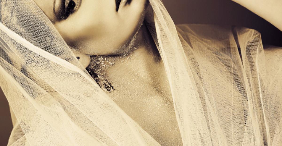 Foto: Cum arata rochia de mireasa a Elenei Basescu?