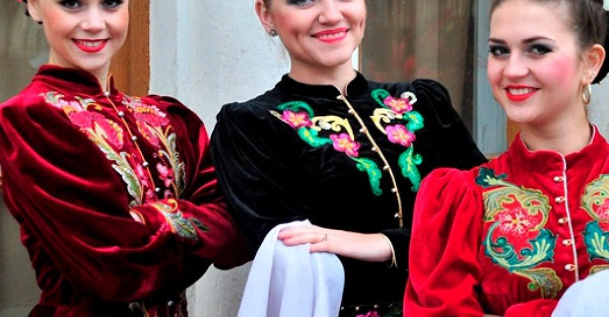 Show cu costume de peste 100.000 de dolari la Bucuresti, Iasi si Constanta. Creatie a ucenicului lui Armani