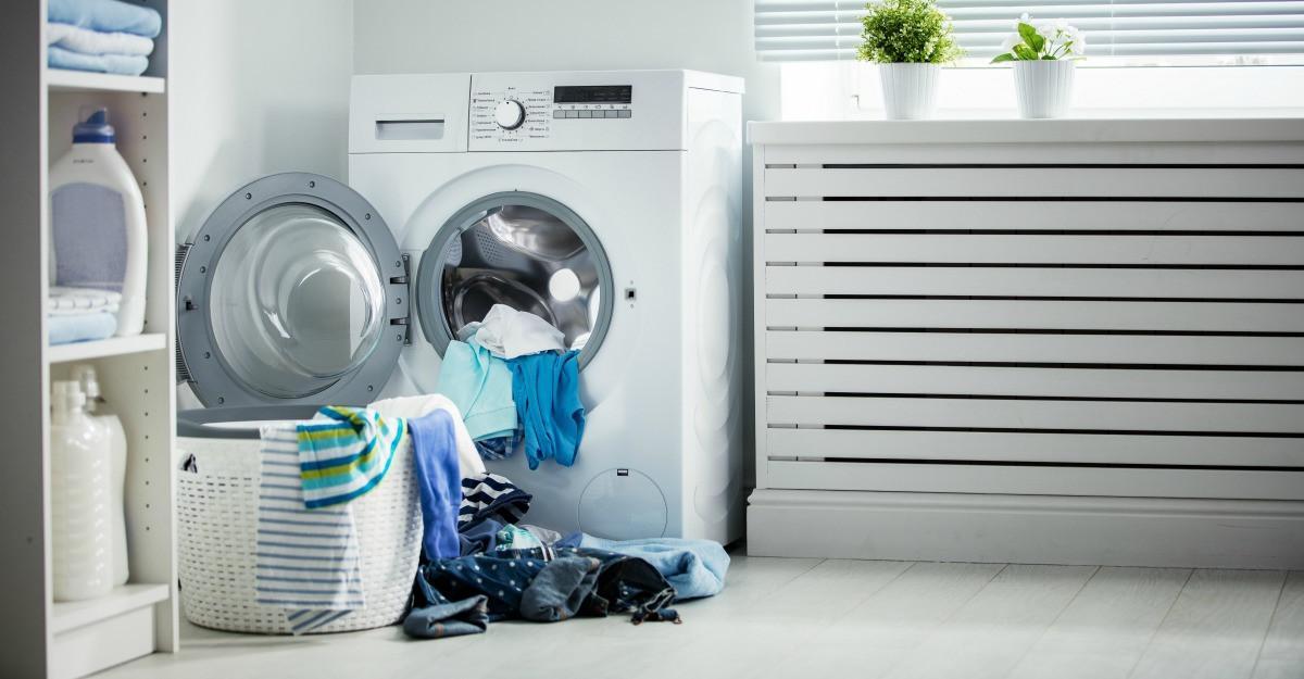 Masini de spalat rufe cu functii pentru haine delicate si pretentioase: 4 recomandari