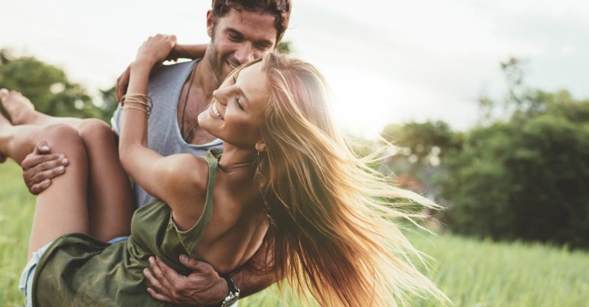 5 Lucruri pe care un bărbat le face doar atunci când este îndrăgostit cu adevărat