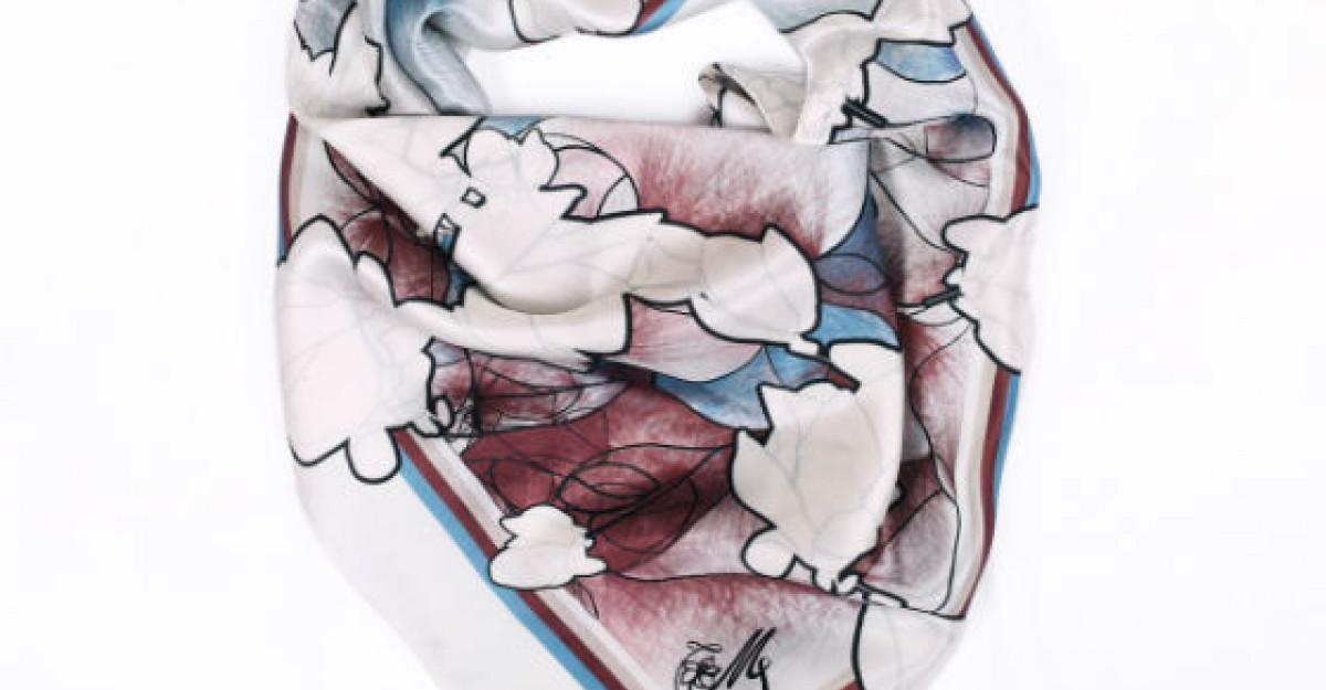 De sarbatori, fashion icon look cu noua colectie de esarfe Snowflakes, by Magnolia Scarves