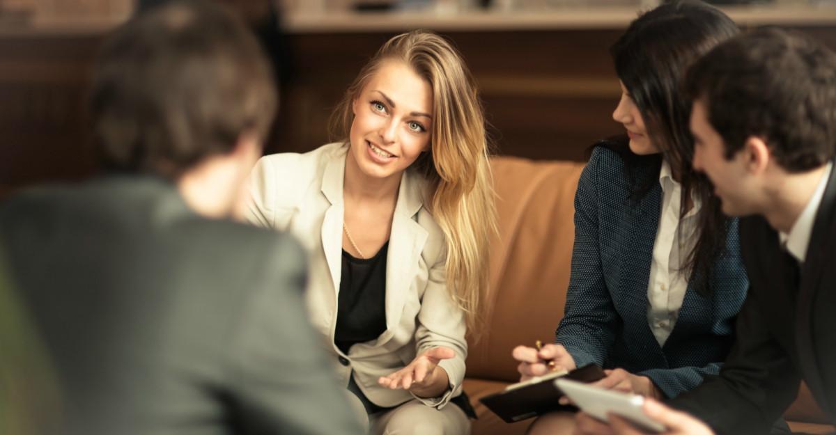 Cum sa iți construiesti imaginea: 5 pași pentru a avea atitudinea potrivită in relația cu clienții