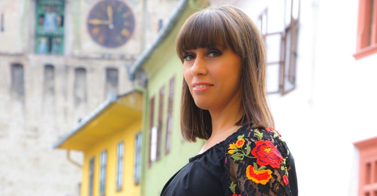 Dana Gont: O femeie este eleganta prin bunatatea ei