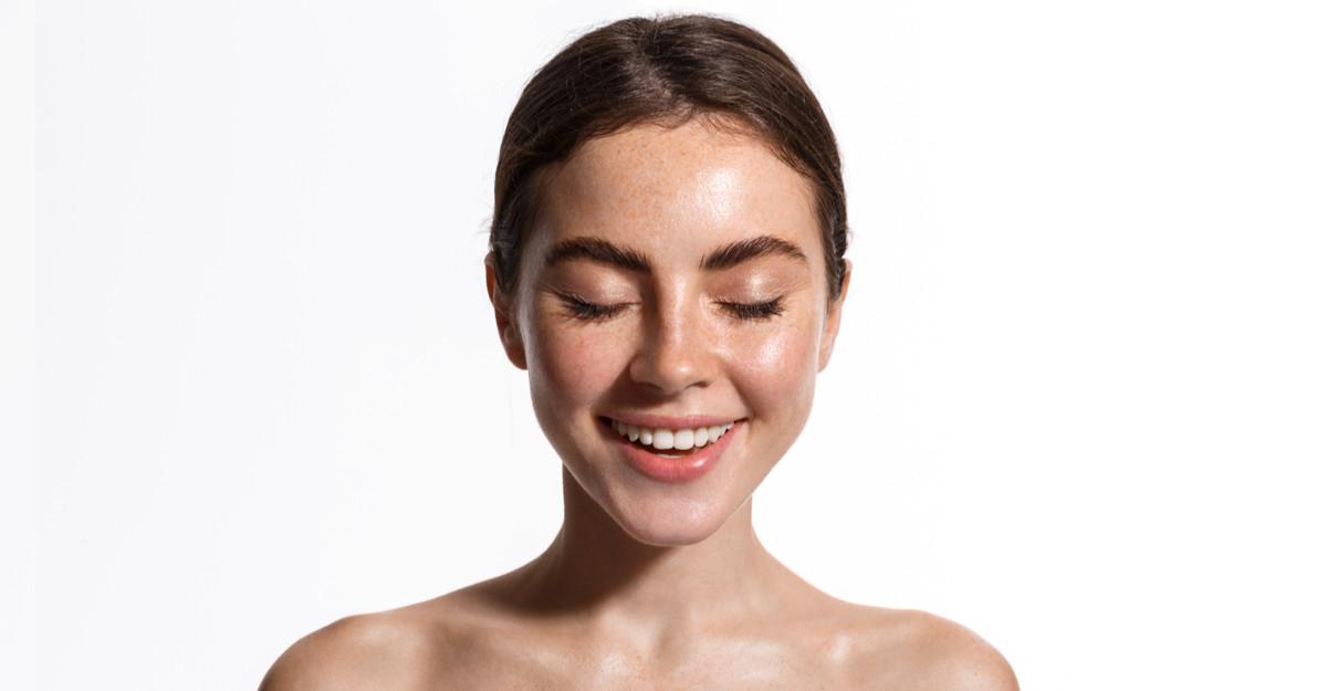 Protejează-ți pielea de razele soarelui: 3 creme cu SPF pentru orice tip de ten