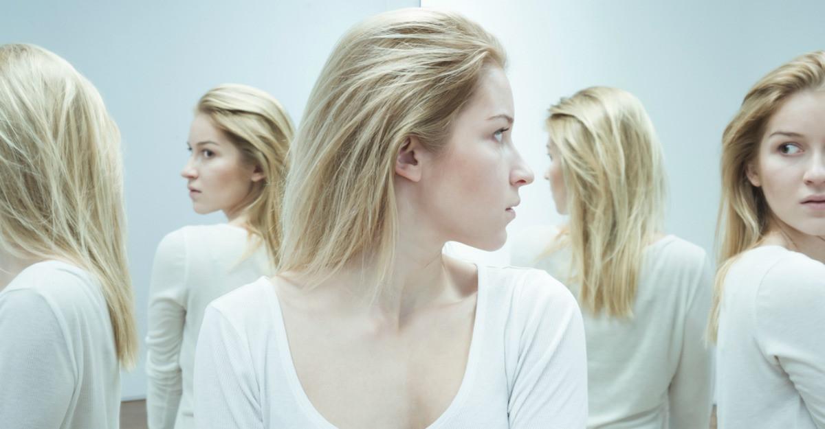 Schizofrenia, tulburarea psihica care iti provoaca halucinatii si iti distorsioneaza realitatea