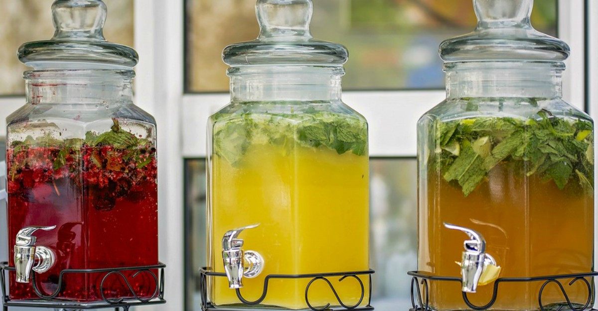Borcane cu robinet perfecte pentru băuturile din vara asta