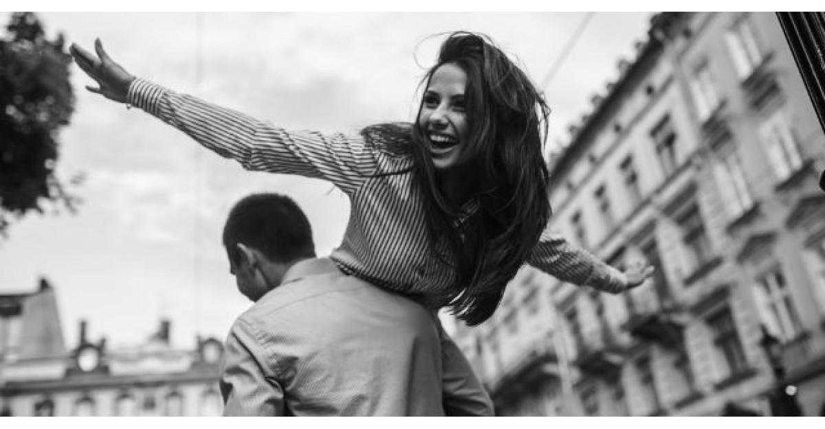 A vazut o femeie SUPERBA pe strada si a fugit dupa ea sa o ceara de sotie. Ce a urmat?