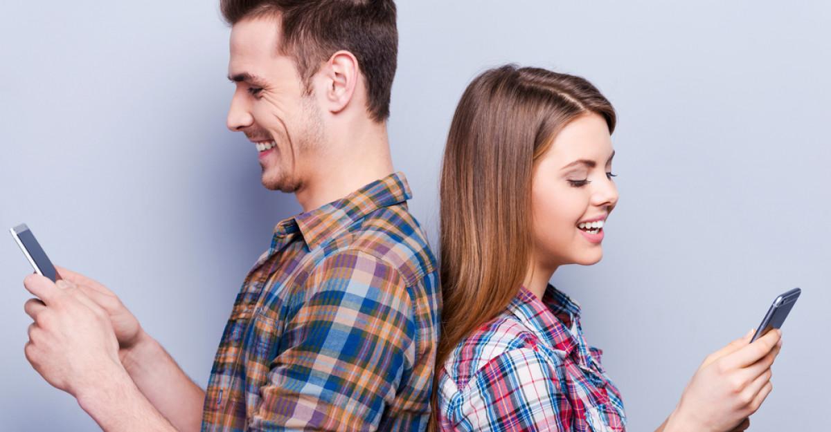 Phubbing-ul, ultima tendință în cuplu și cum să o depistezi