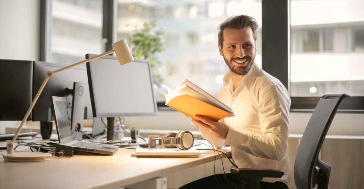 Top 7 produse de papetărie necesare într-un birou