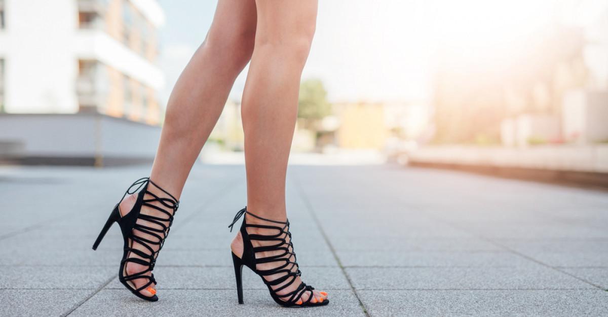Cele mai sexy sandale cu toc pentru seri romantice