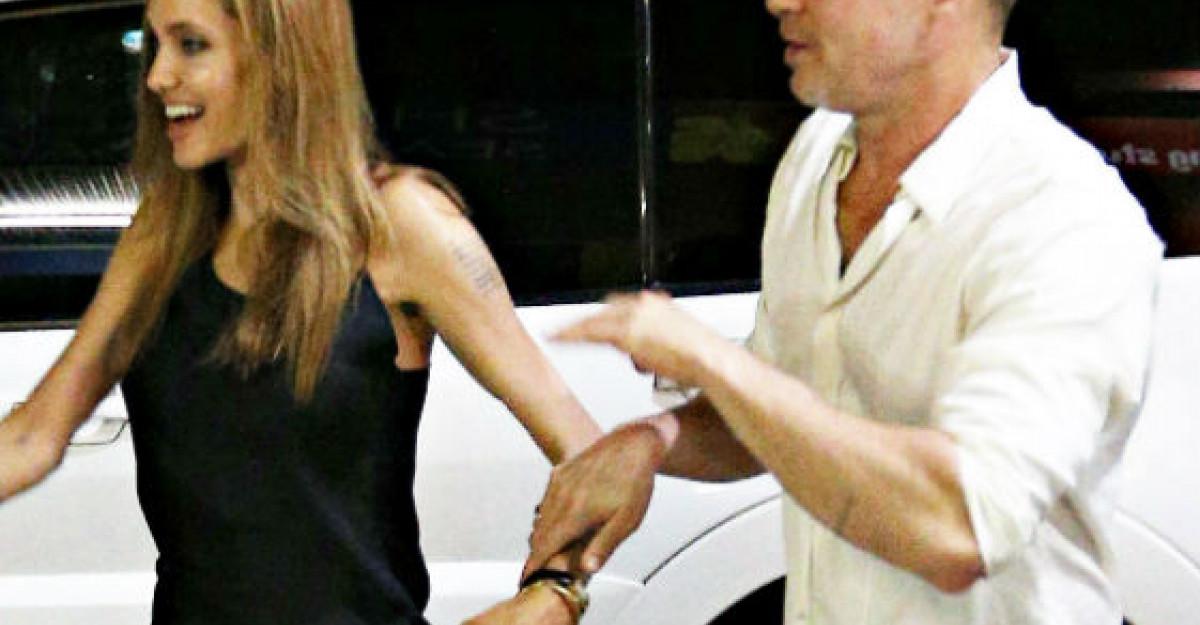 Primele imagini cu Angelina Jolie in rochie de mireasa!