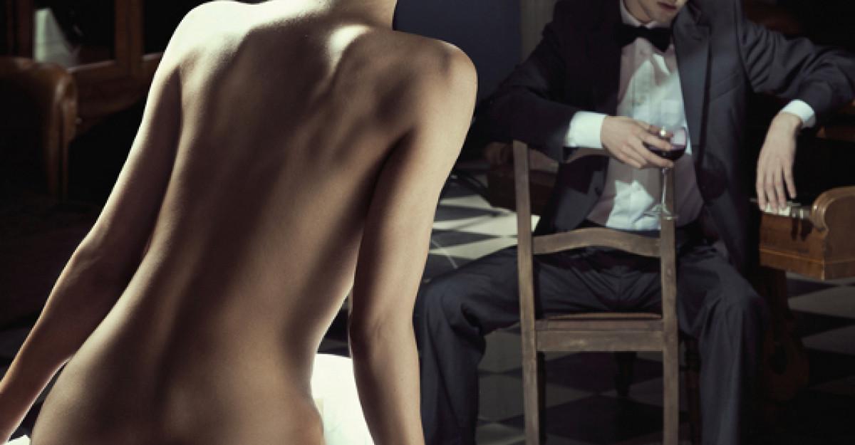 Transformarea unui barbat in femeie: Un clip realizat pe parcursul a trei ani