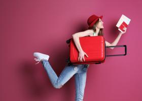 Patru feluri în care te transformi când călătorești de una singură