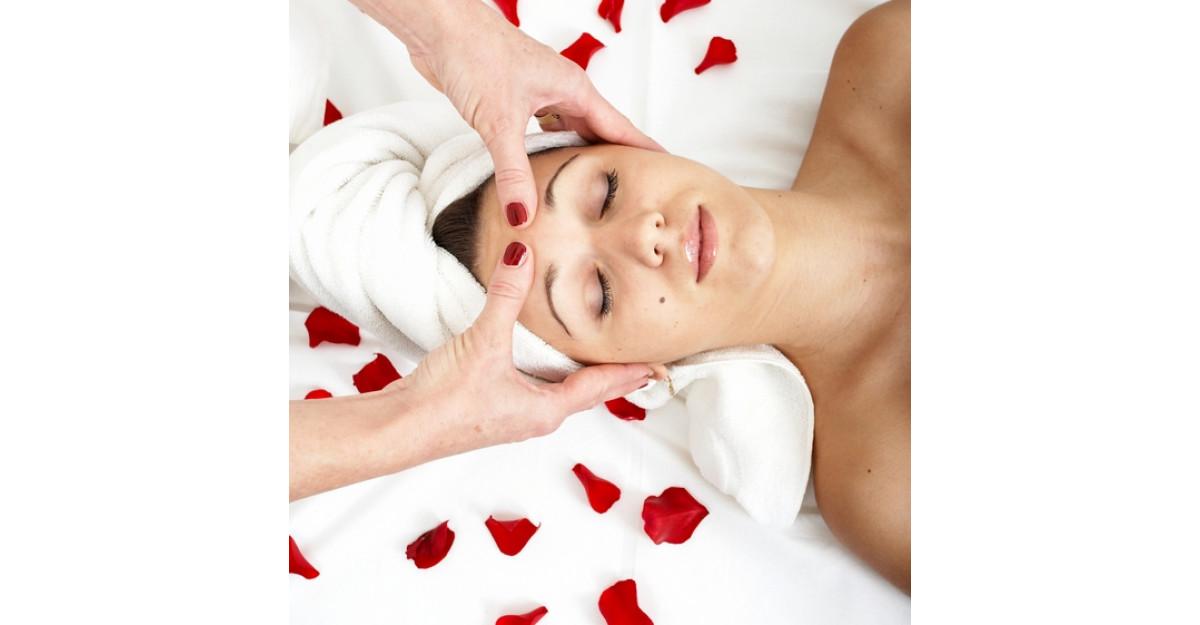 Masaj facial recomandat de Anastasia Achilleos