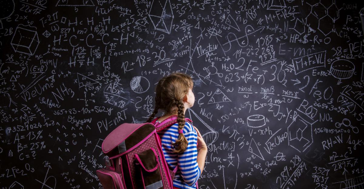 Studiu: 9 din 10 români din mediul urban cred că școala nu e adaptată meseriilor din viitor