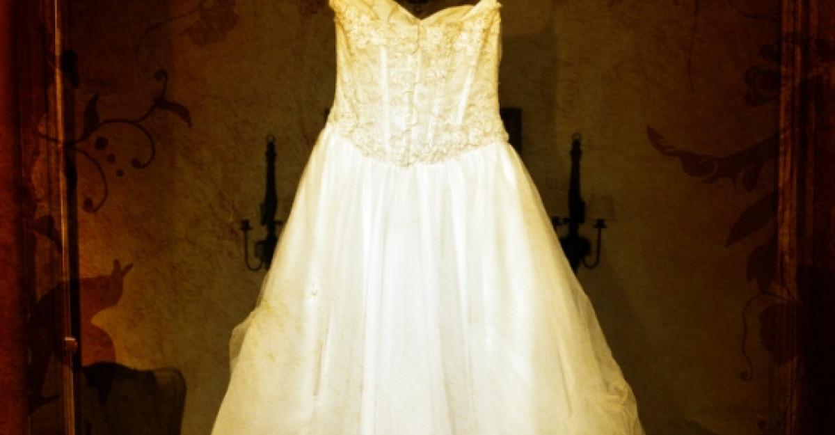 Afla aici cum va arata rochia de mireasa a lui Teo