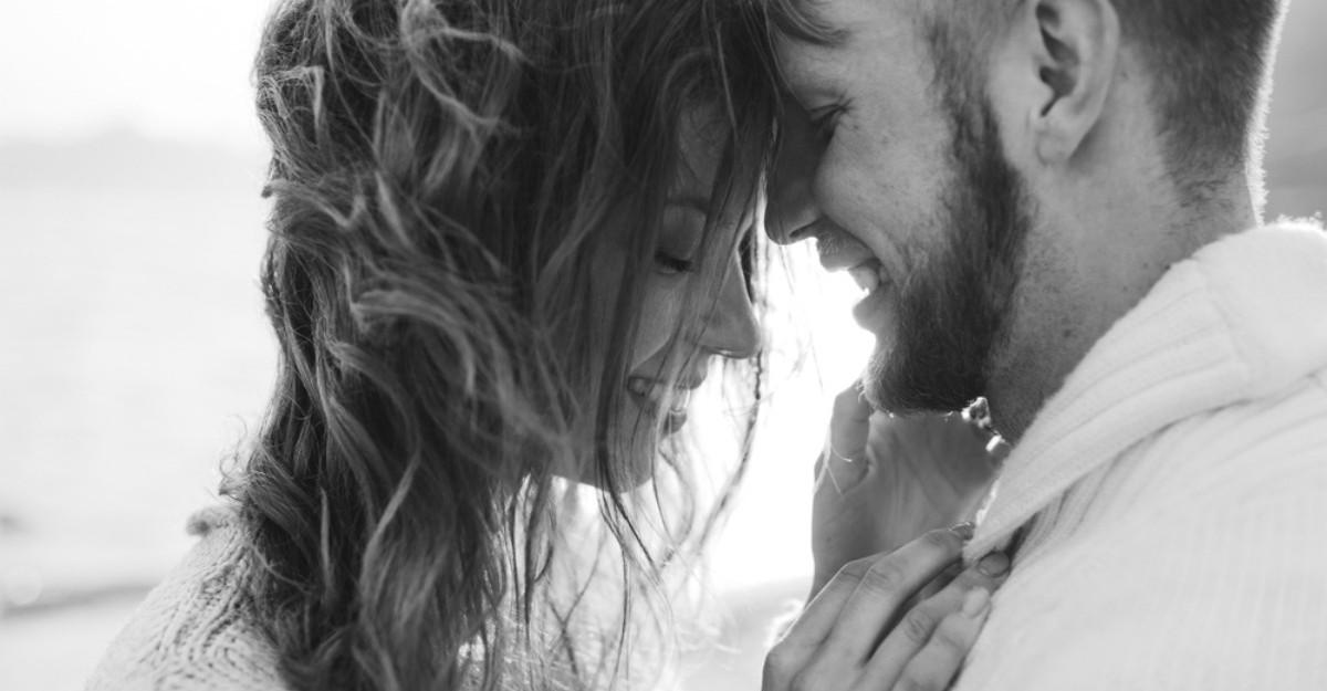 8 lucruri pe care le fac cuplurile cu adevarat fericite
