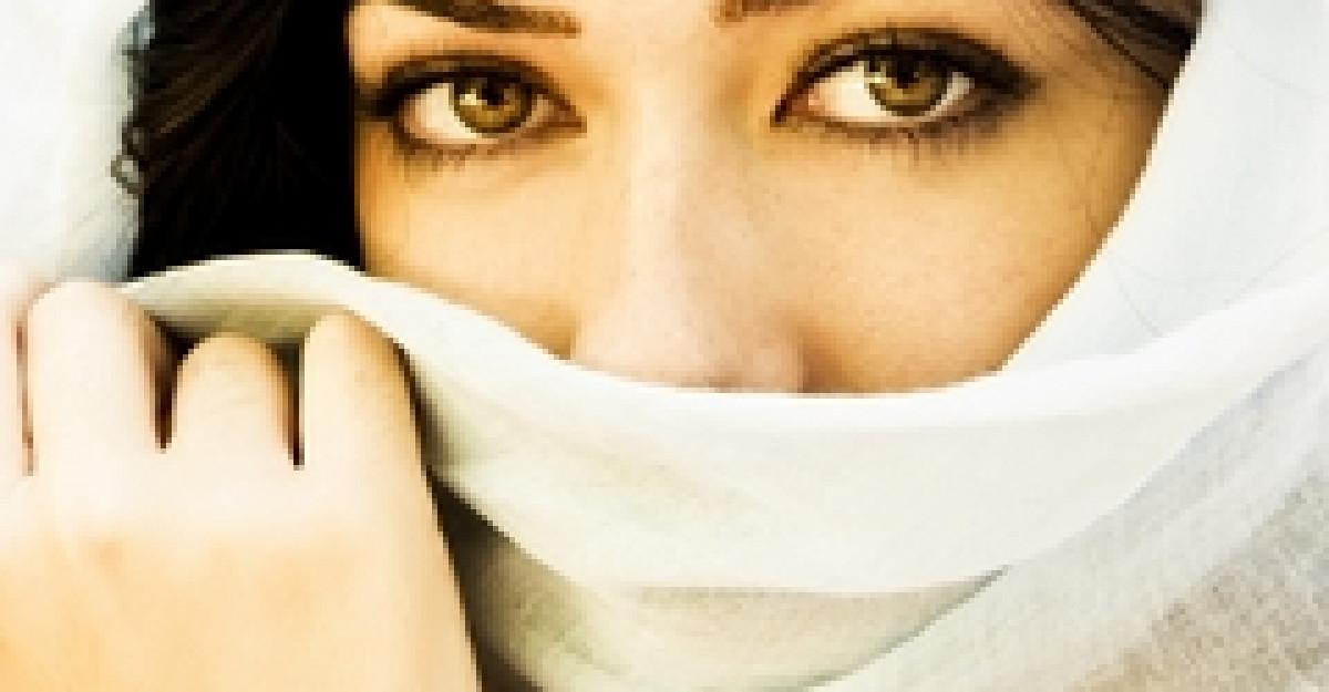 Cu valul jos... Revolutia nuda a femeilor din Islam