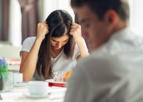 Cum iti dai seama ca partenerul te minte