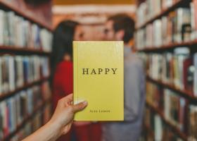 Trei cărți care te vor ajuta să ai o relație fericită