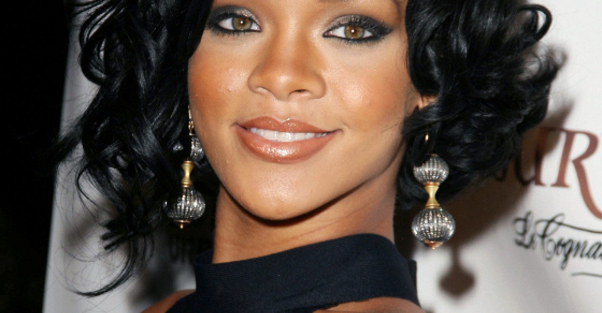 Video: Rihanna lanseaza videoclipul Where Have You Been