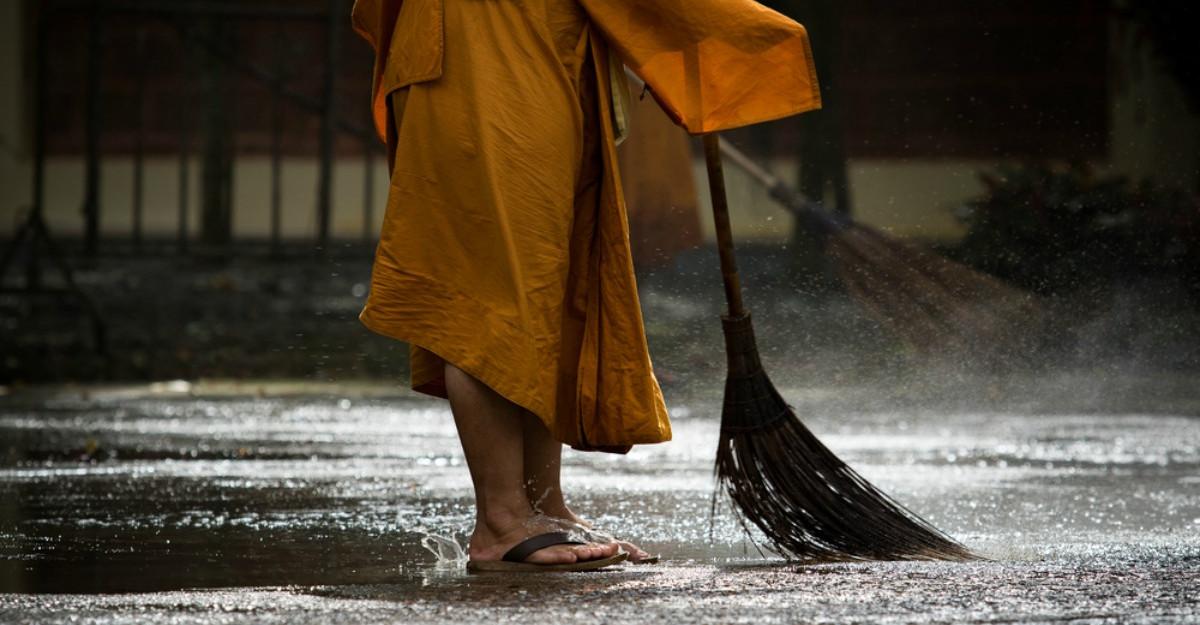5 Legi spirituale care vor aduce energii pozitive în casa ta (potrivit unui călugăr budist)