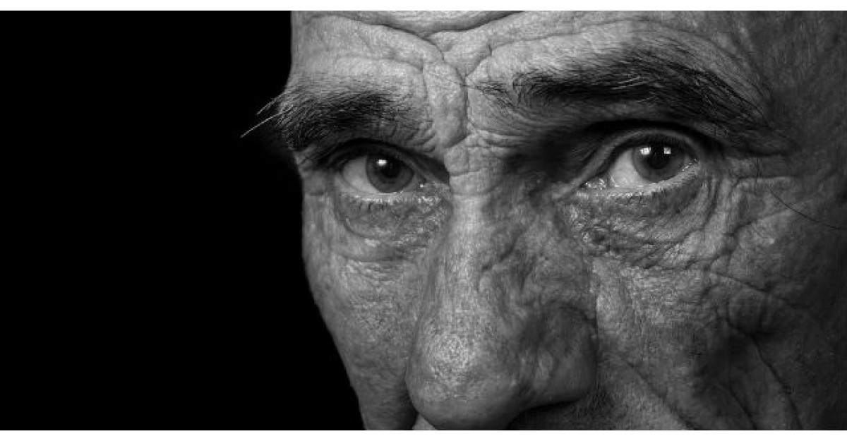 Lectie de viata: Un batranel de 80 de ani ii pune O INTREBARE fiului sau. Ce face acesta?
